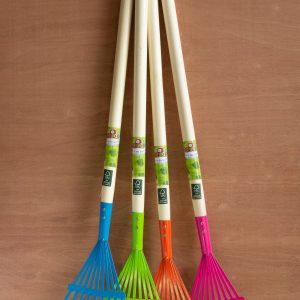 Bladhark van hout en metaal in blauw, roze, groen en oranje